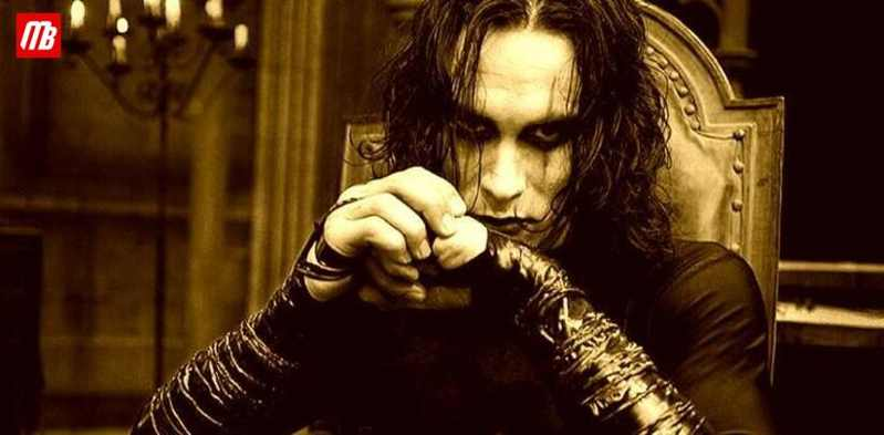 The Crow Costume Brandon Lee's Brings in $25K at Auction